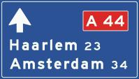 K1 Lage beslissingswegwijzer langs autosnelweg
